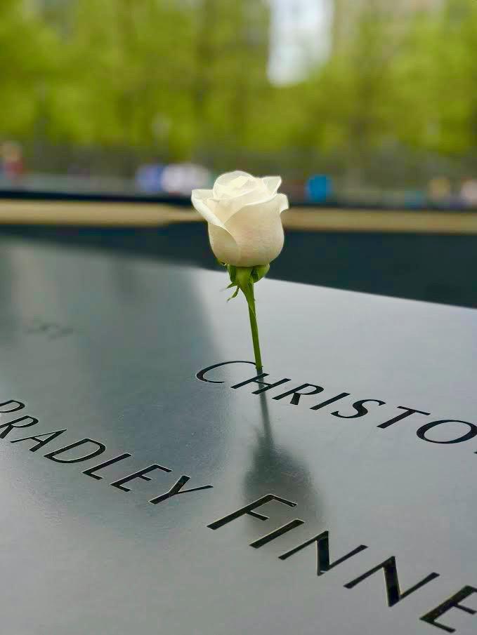 9:11 Memorial Flower.jpg