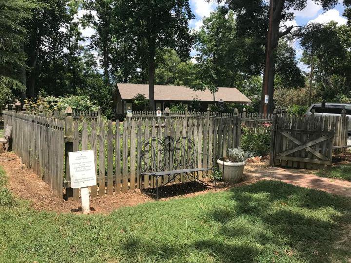 Rosedale Plantation Garden.jpg